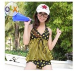 ชุดว่ายน้ำ ทูพีช แบบไม่โป้ ลายจุด สีดำ ลายจุด สีเหลือง สายคล้องคอ ชุดว่ายน้ำ แบบพรางหน้าท้อง กางเกงขาสั้น ใส่เล่นน้ำ อย่างมั่นใจ 834521